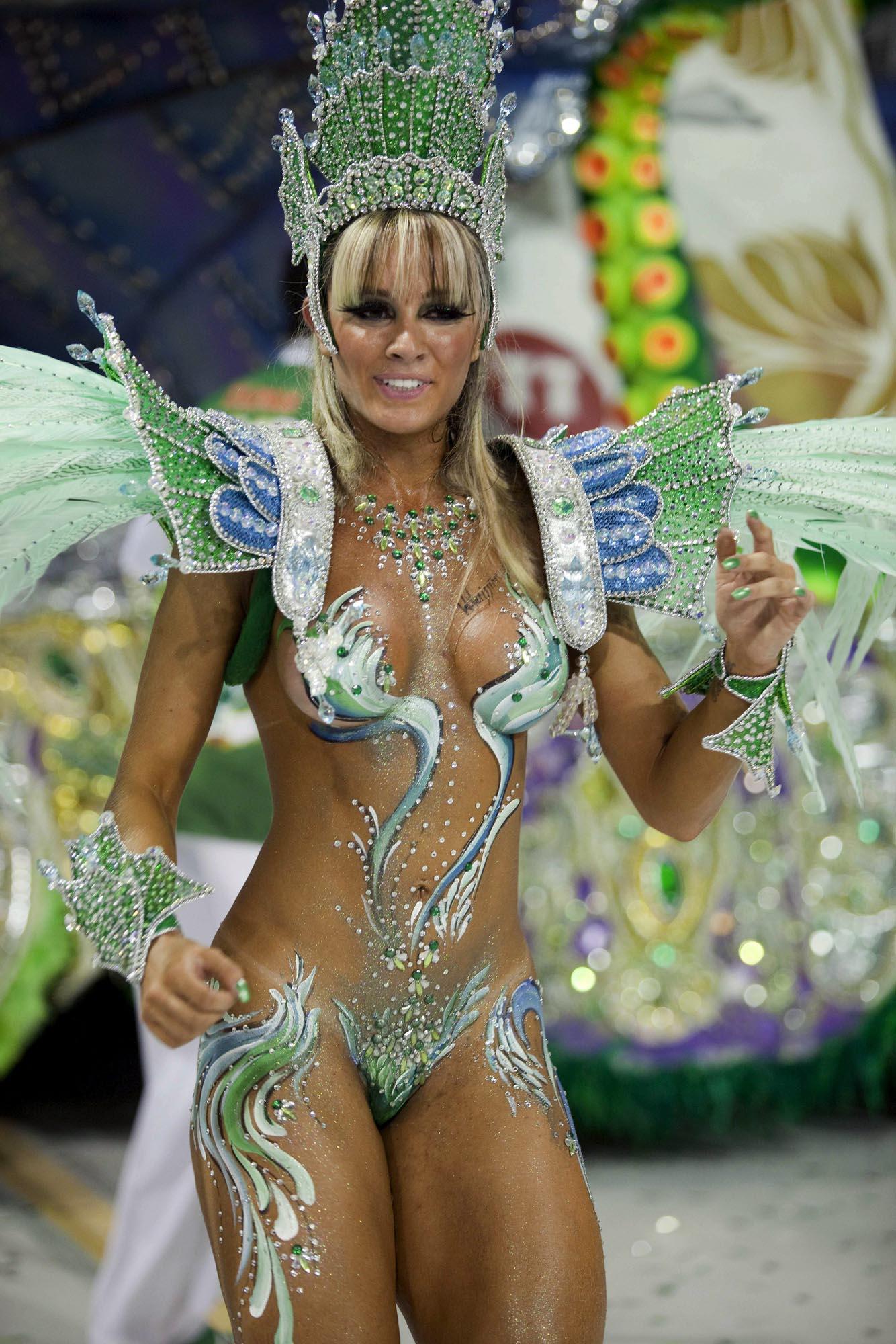 Фото девушек с бразильского карнавала 23 фотография